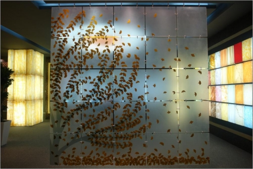Decorar las paredes con paneles decorativos reformaster for Paneles acrilicos para frentes de cocina