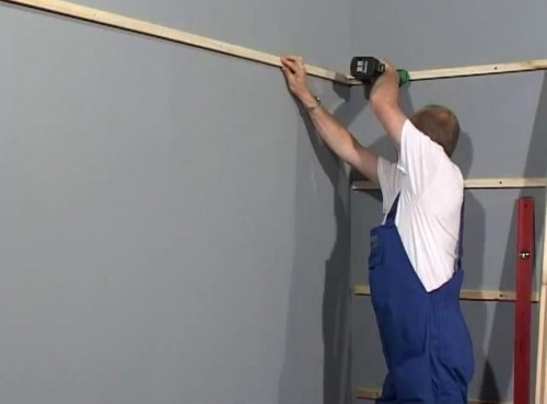 cómo decorar las paredes con paneles paso a paso .