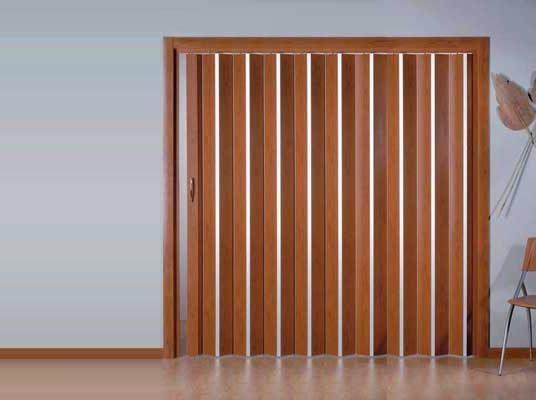 8 ventajas de la puerta corredera plegable reformaster for Instalar puerta corredera
