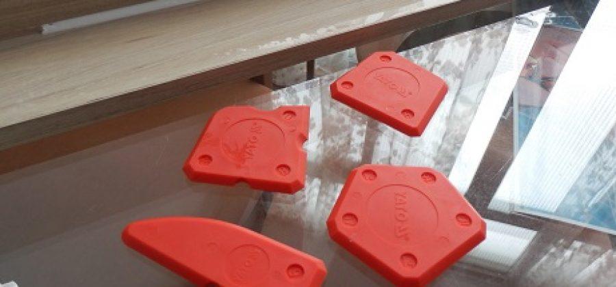 Cómo aplicar la silicona. Las espátulas especiales.